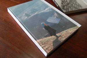 A「The center of the world,MARAMURES-世界の中心マラムレシュ」  20.9cm×28.9cm 216ページ